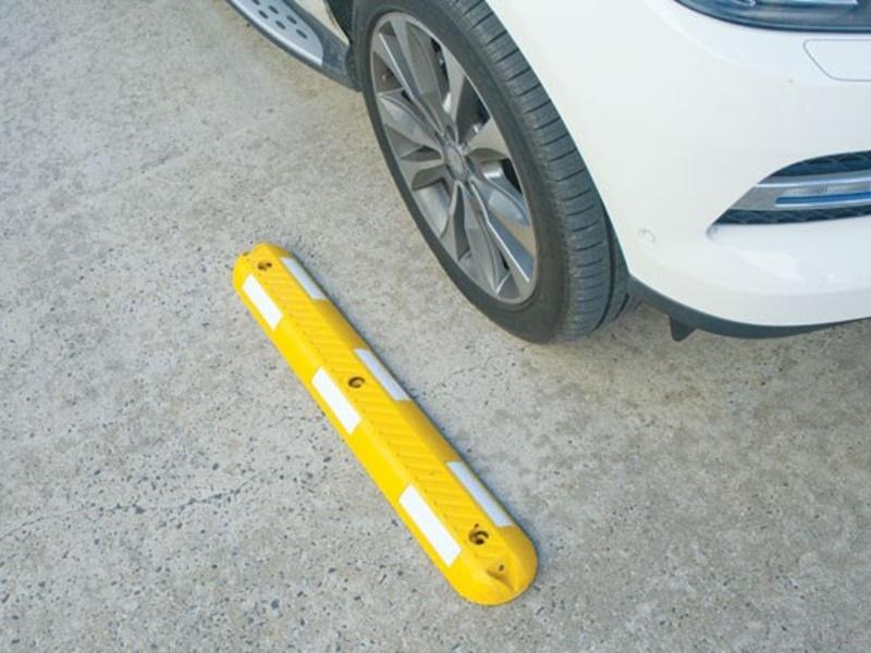 parkimiskoha eraldaja1