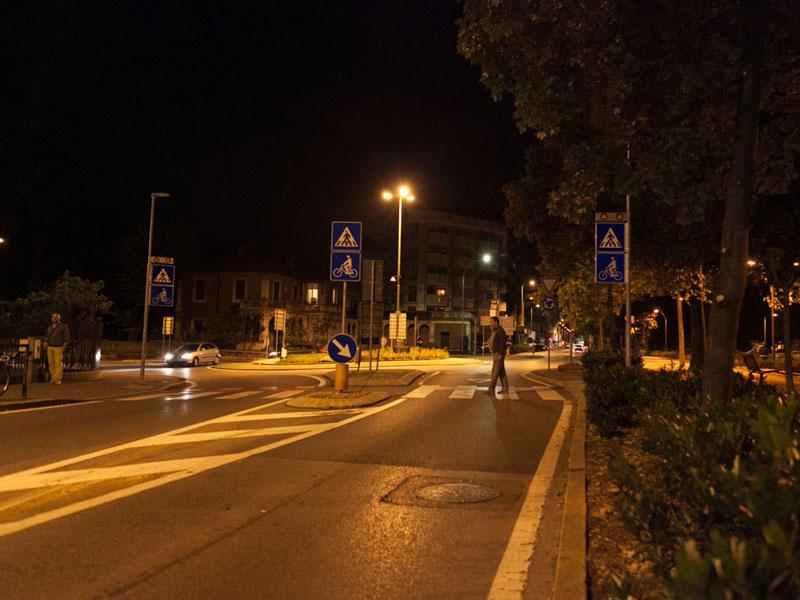 attraversamento-pedonale-luminoso_lodi_stratosn_off3