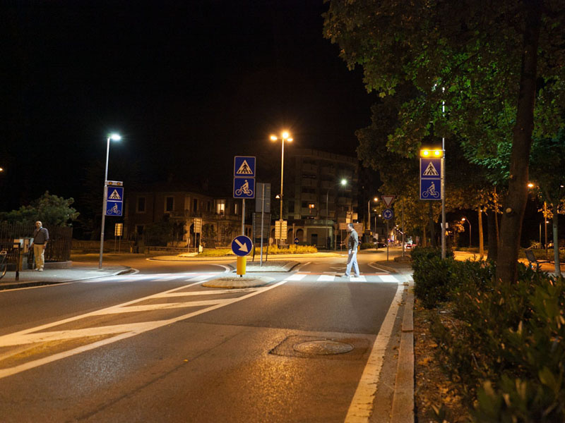 attraversamento-pedonale-luminoso_lodi_stratosn_on3
